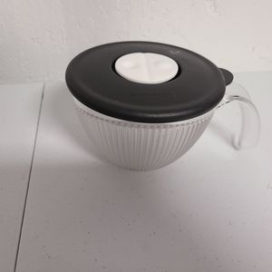 Tupperware vent and serve
